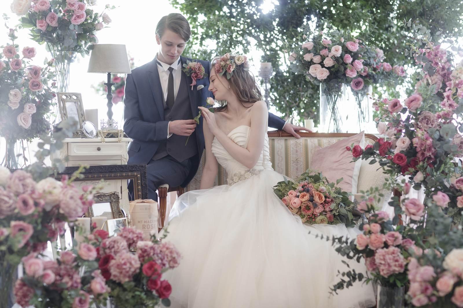 香川県の結婚式場シェルエメールのスイートLの高砂イメージ
