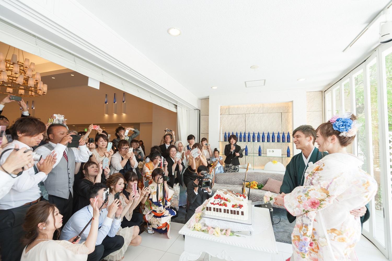 香川県の結婚式場シェルエメールでケーキカット