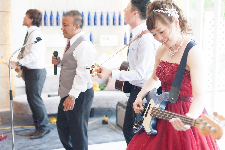 香川県の結婚式場シェルエメールで新婦も参加しての生ライブ