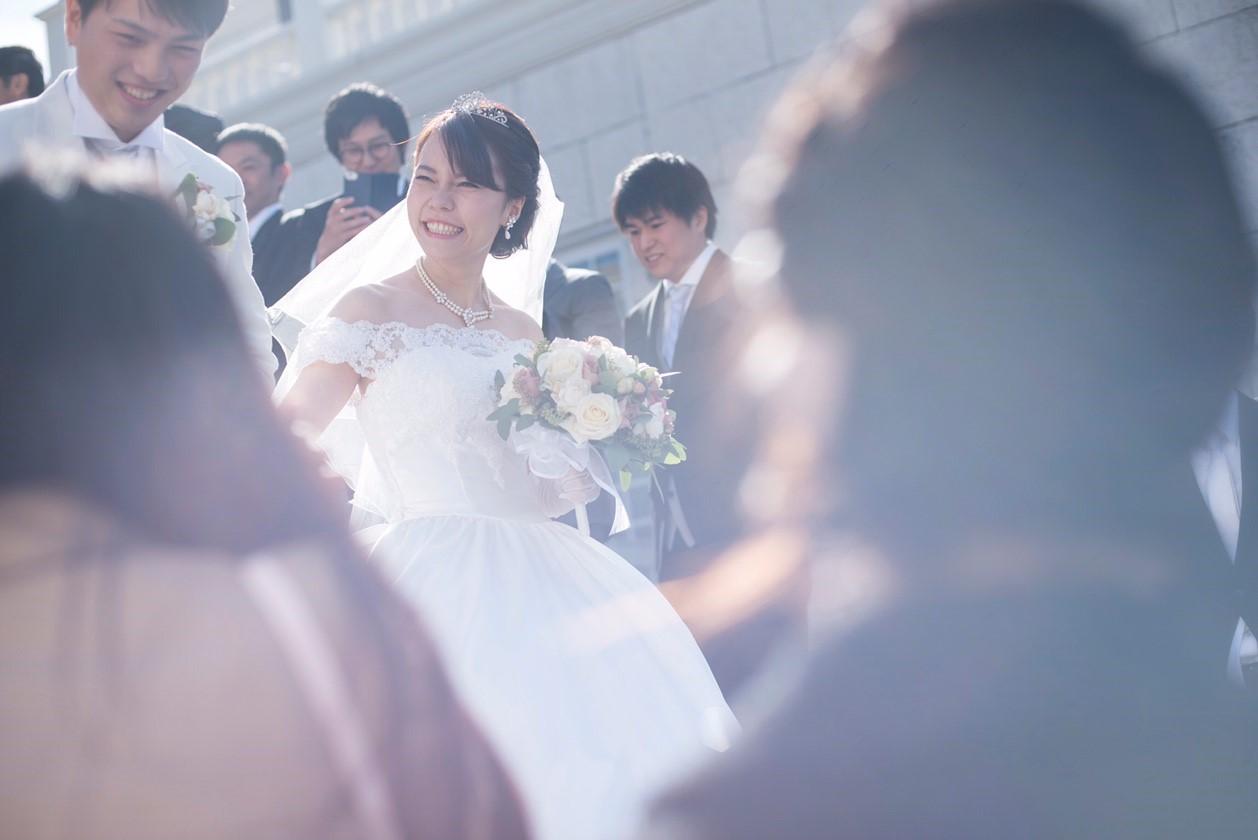 香川県の結婚式場シェルエメールの大階段