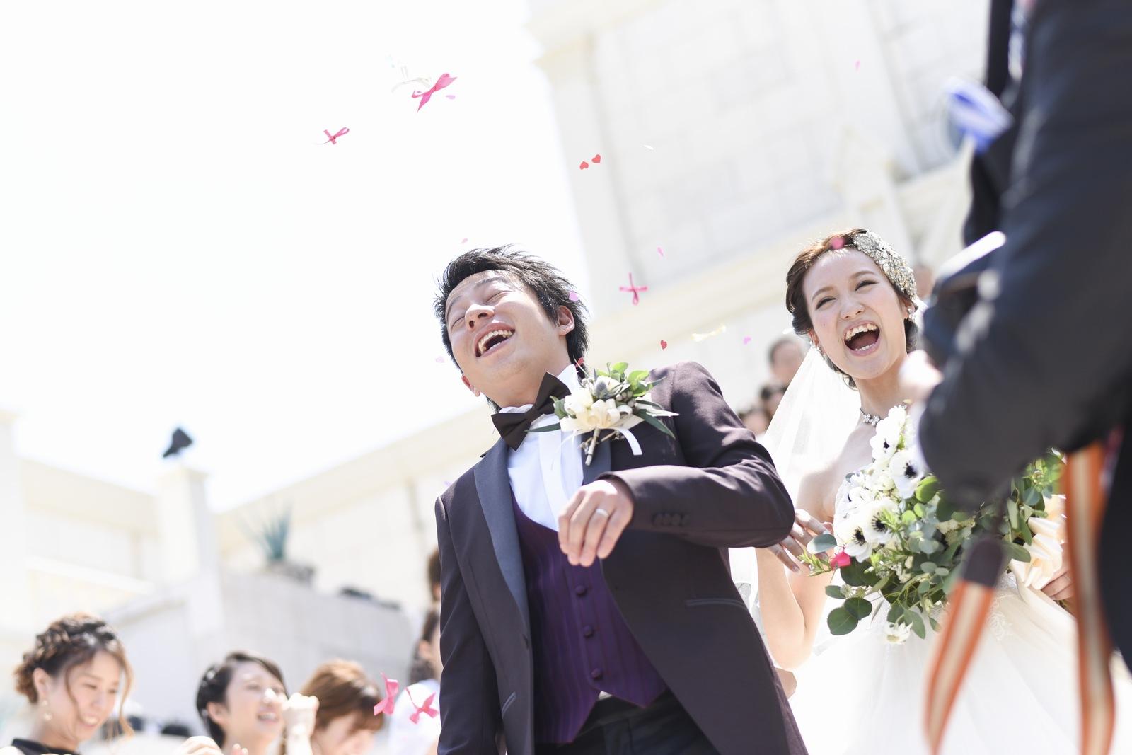 香川県の結婚式場シェルエメール&アイスタイルのフラワーシャワー