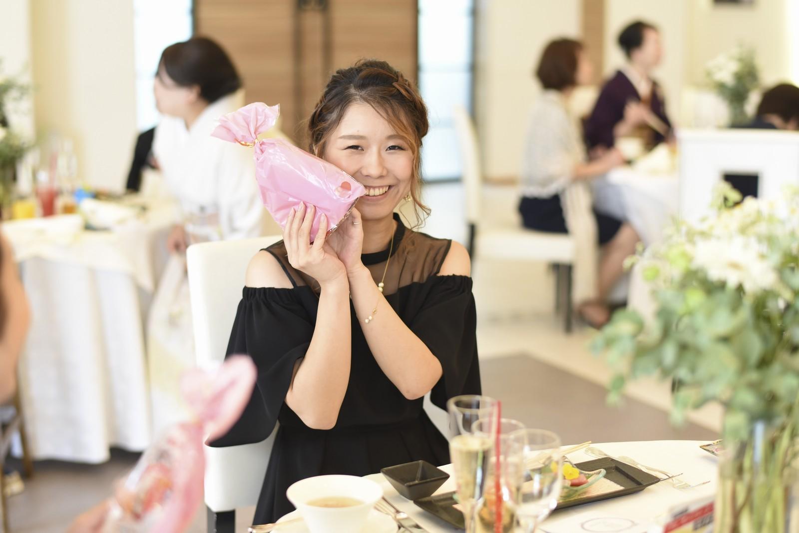 香川県の結婚式場アイスタイルでゲストにサプライズプレゼント