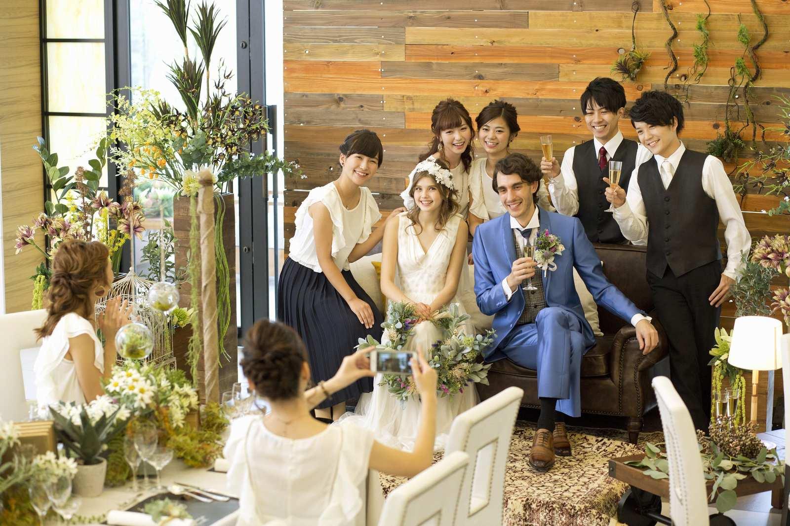 香川県の結婚式場アイスタイルの披露宴会場