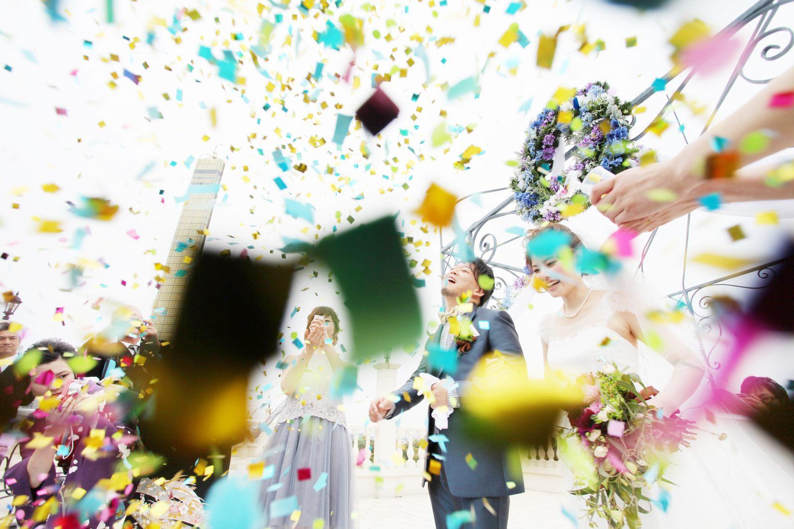 香川県の結婚式場シェルエメール&アイスタイルのコンフェッティシャワー