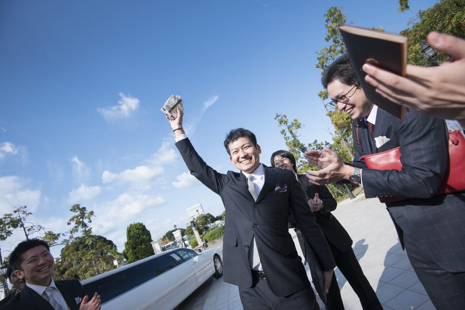 香川県の結婚式場シェルエメール&アイスタイル 新郎トス