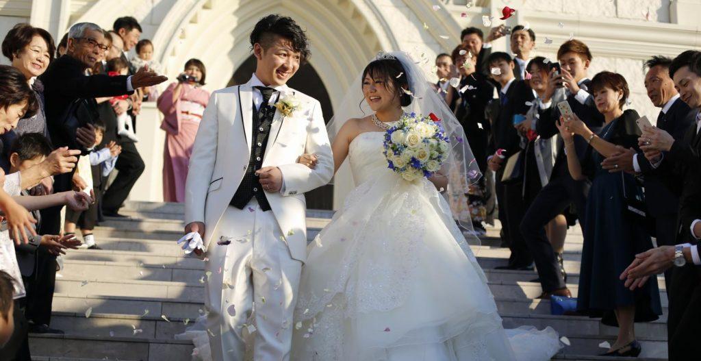 香川県高松市の結婚式場シェルエメール&アイスタイル 大階段セレモニー