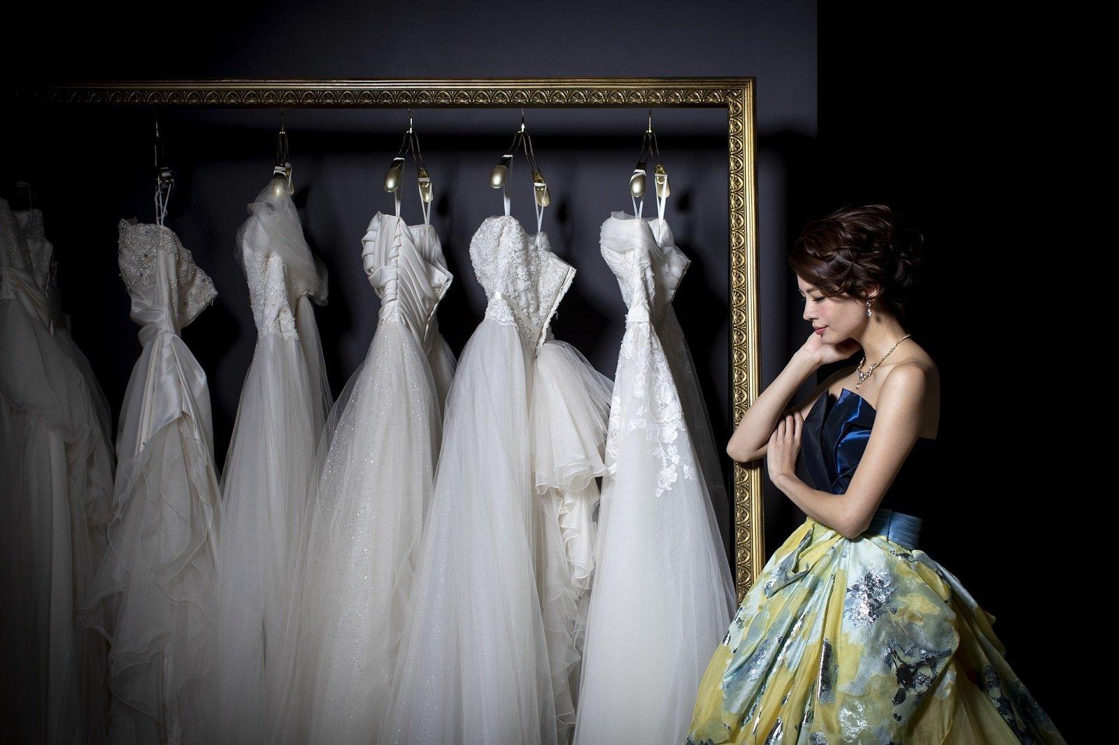 香川の結婚式場のシェルエメール&アイスタイルのドレス