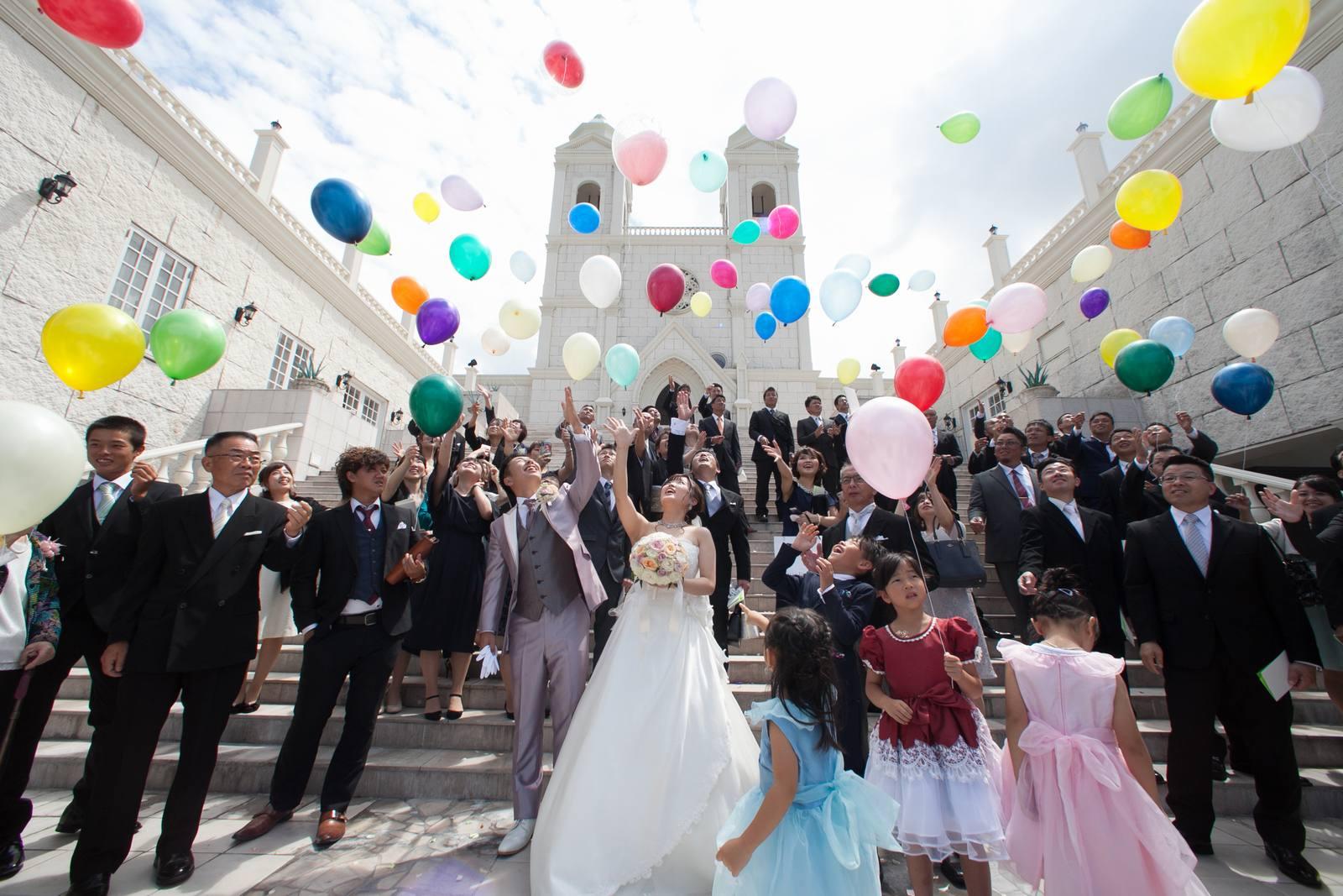 香川県高松市の結婚式場シェルエメール&アイスタイル バルーンリリース
