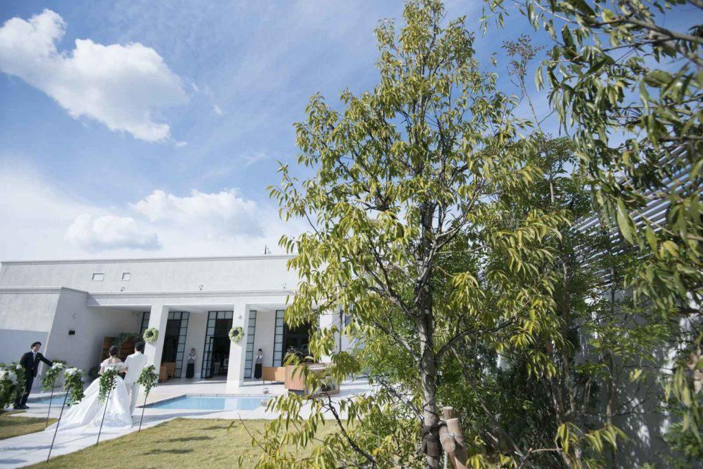 香川県高松市の結婚式場シェルエメール&アイスタイル ガーデン入場