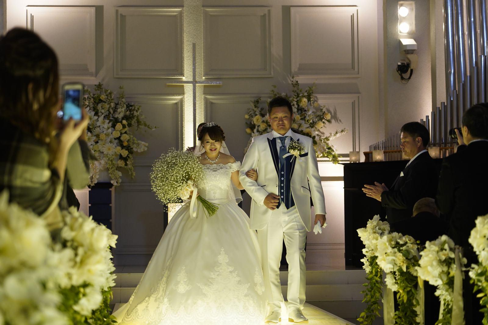香川の結婚式場シェルエメール&アイスタイル 新郎新婦退場