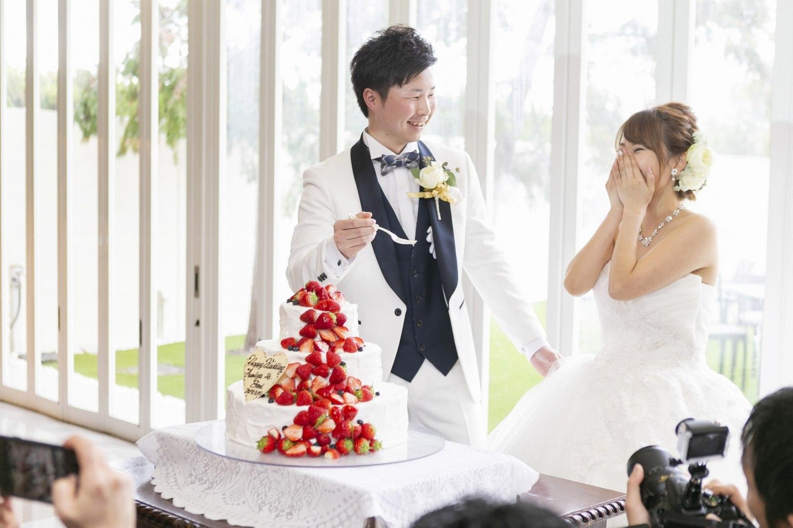 香川の結婚式場のシェルエメール&アイスタイルのケーキ入刀
