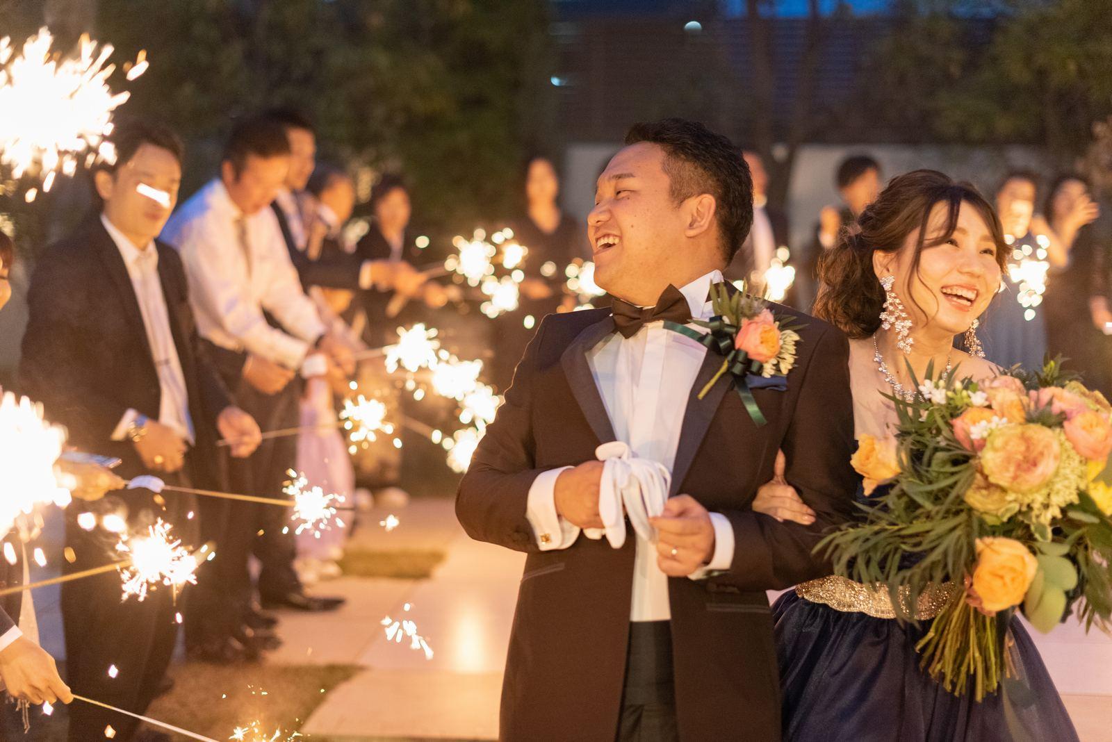 香川県の結婚式場シェルエメール&アイスタイル 花火シャワー