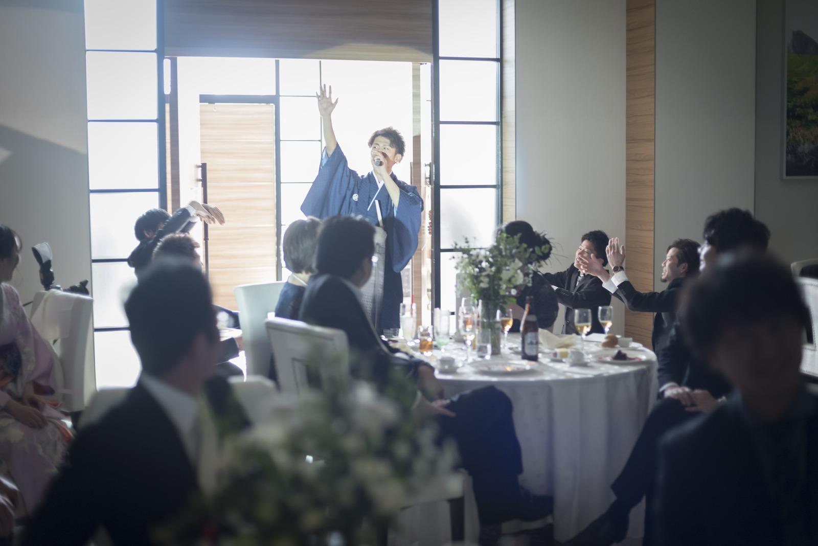 香川県の結婚式場シェルエメール&アイスタイル 新郎入場