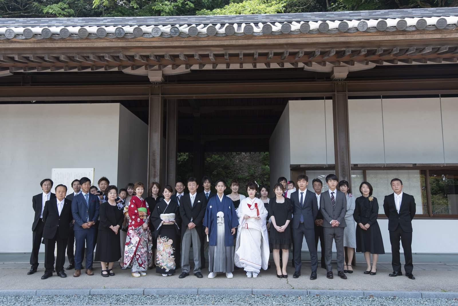 香川県の結婚式場シェルエメール&アイスタイル 金比羅式での集合写真