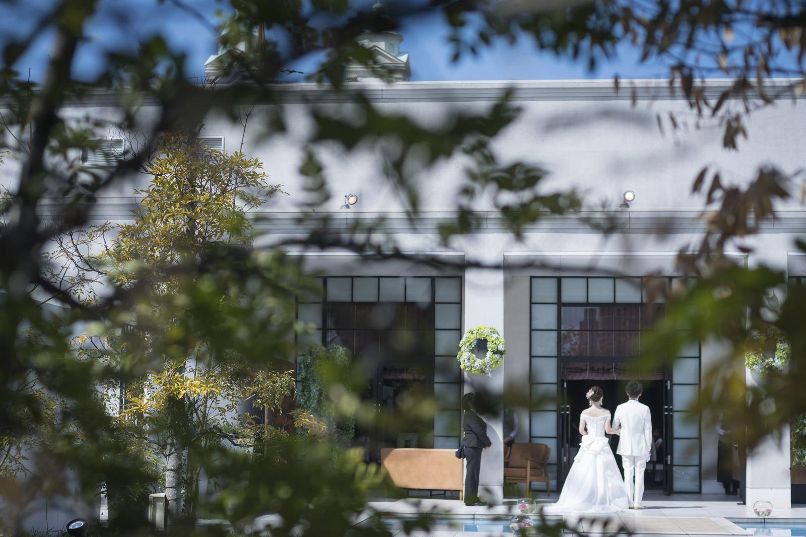 香川県の結婚式場シェルエメール&アイスタイル ガーデン入場