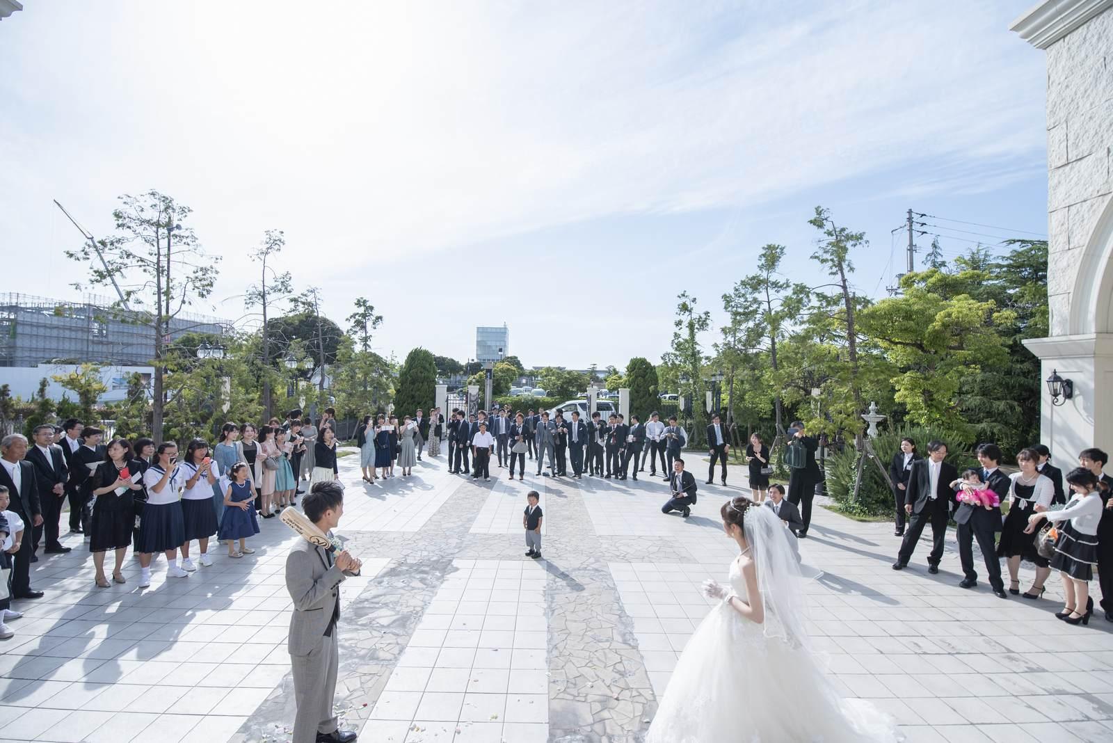 香川県の結婚式場シェルエメール&アイスタイル 野球ボールトス