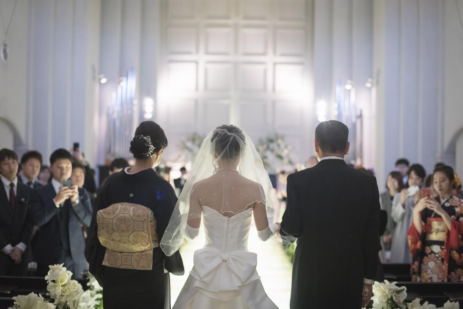 香川の結婚式場シェルエメール&アイスタイル 新婦入場