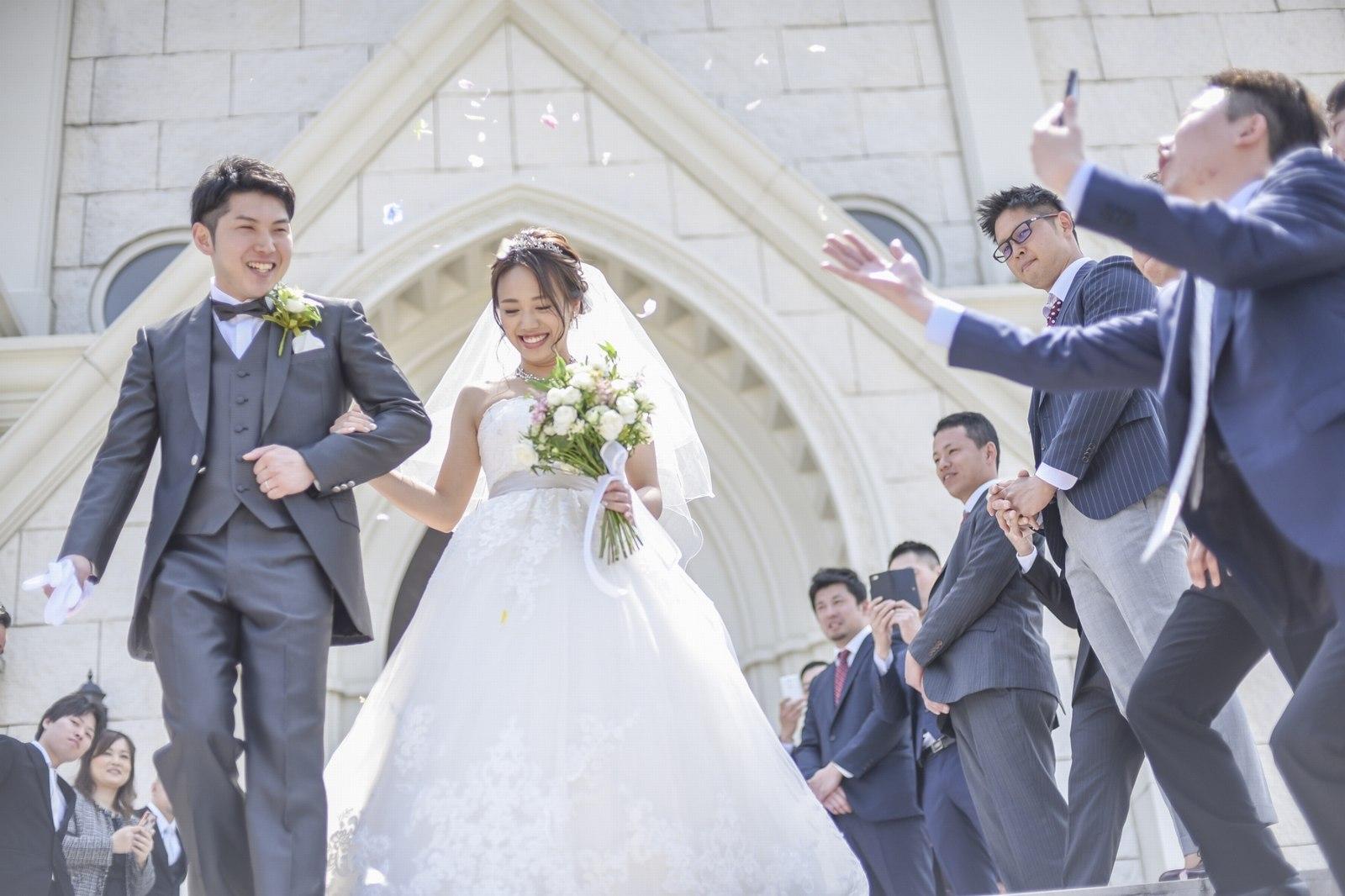香川県の結婚式場のシェルエメール&アイスタイルの大階段