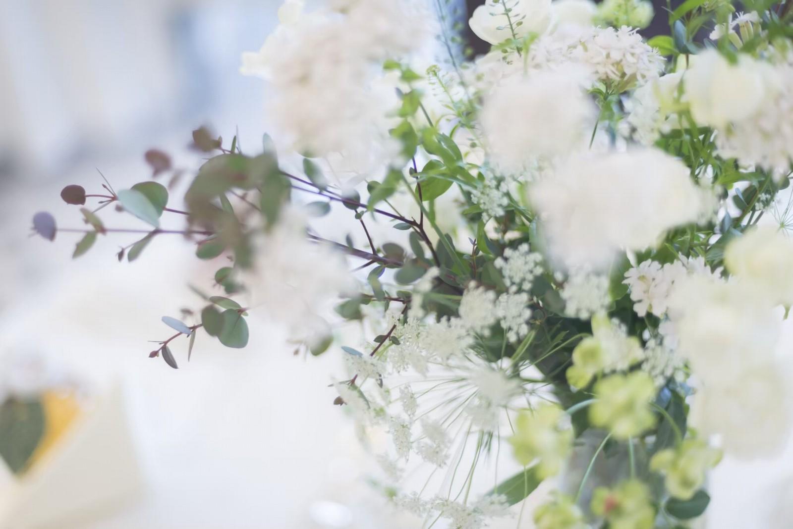 香川県の人気の結婚式場のシェルエメール&アイスタイルの会場装花