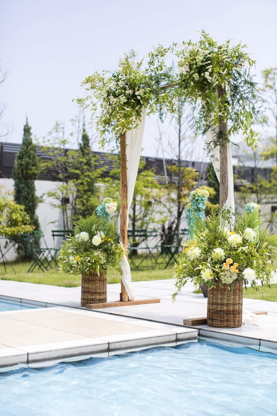 香川県の人気の結婚式場のシェルエメール&アイスタイルのガーデン人前式