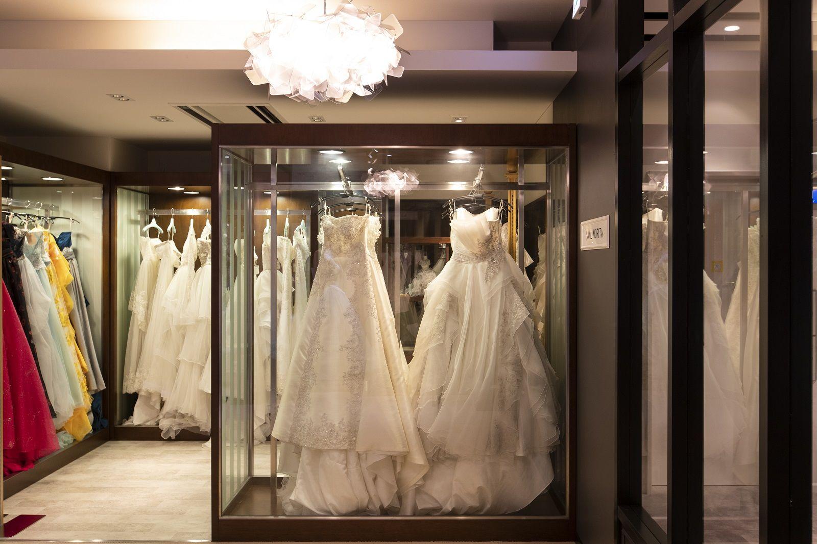 香川県の結婚式場のシェルエメール&アイスタイルのドレス