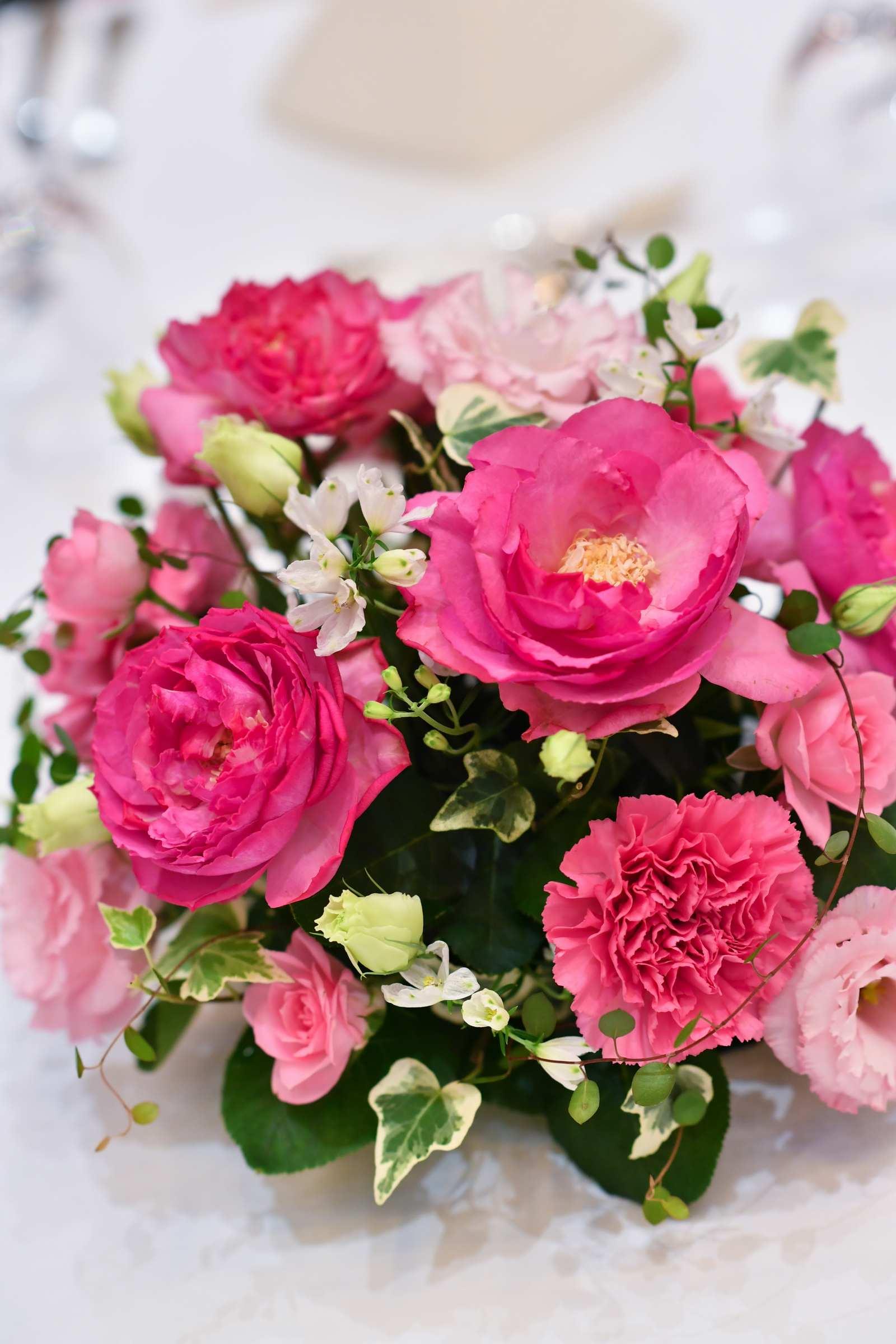 香川県の結婚式場のシェルエメール&アイスタイルの会場装花
