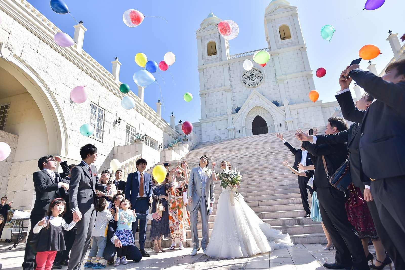 香川県の結婚式場シェルエメール&アイスタイル バルーンリリース