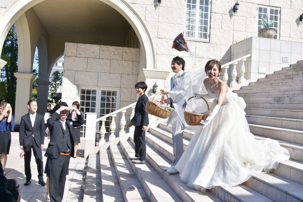 香川県の結婚式場シェルエメール&アイスタイルの大階段 福まき