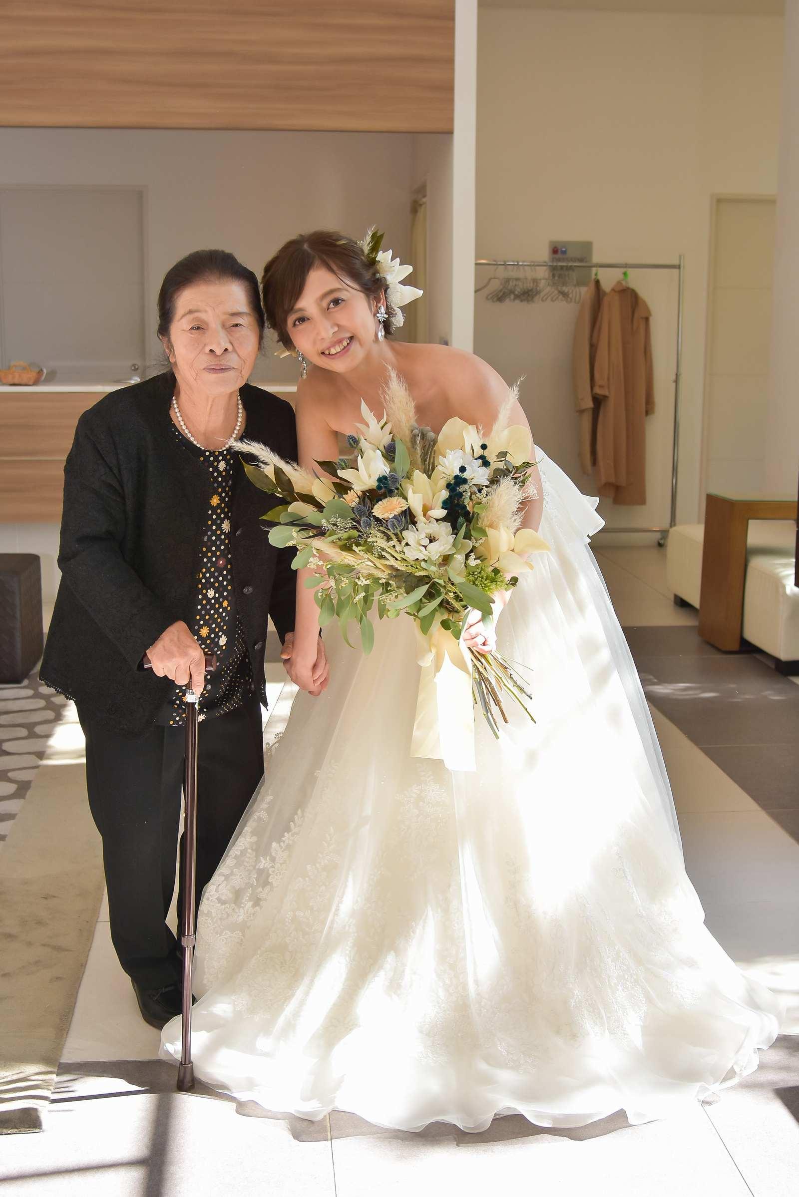 香川県の結婚式場シェルエメール&アイスタイル 新婦お色直し
