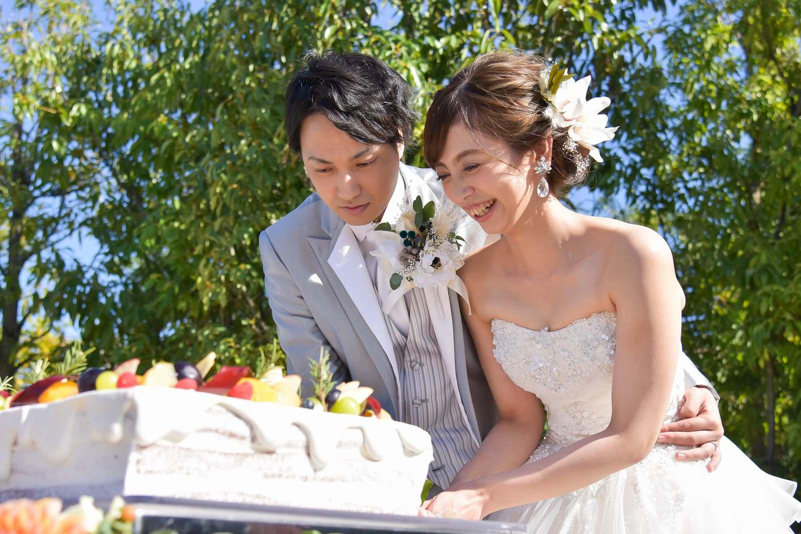 香川県の結婚式場シェルエメール&アイスタイルのケーキ入刀