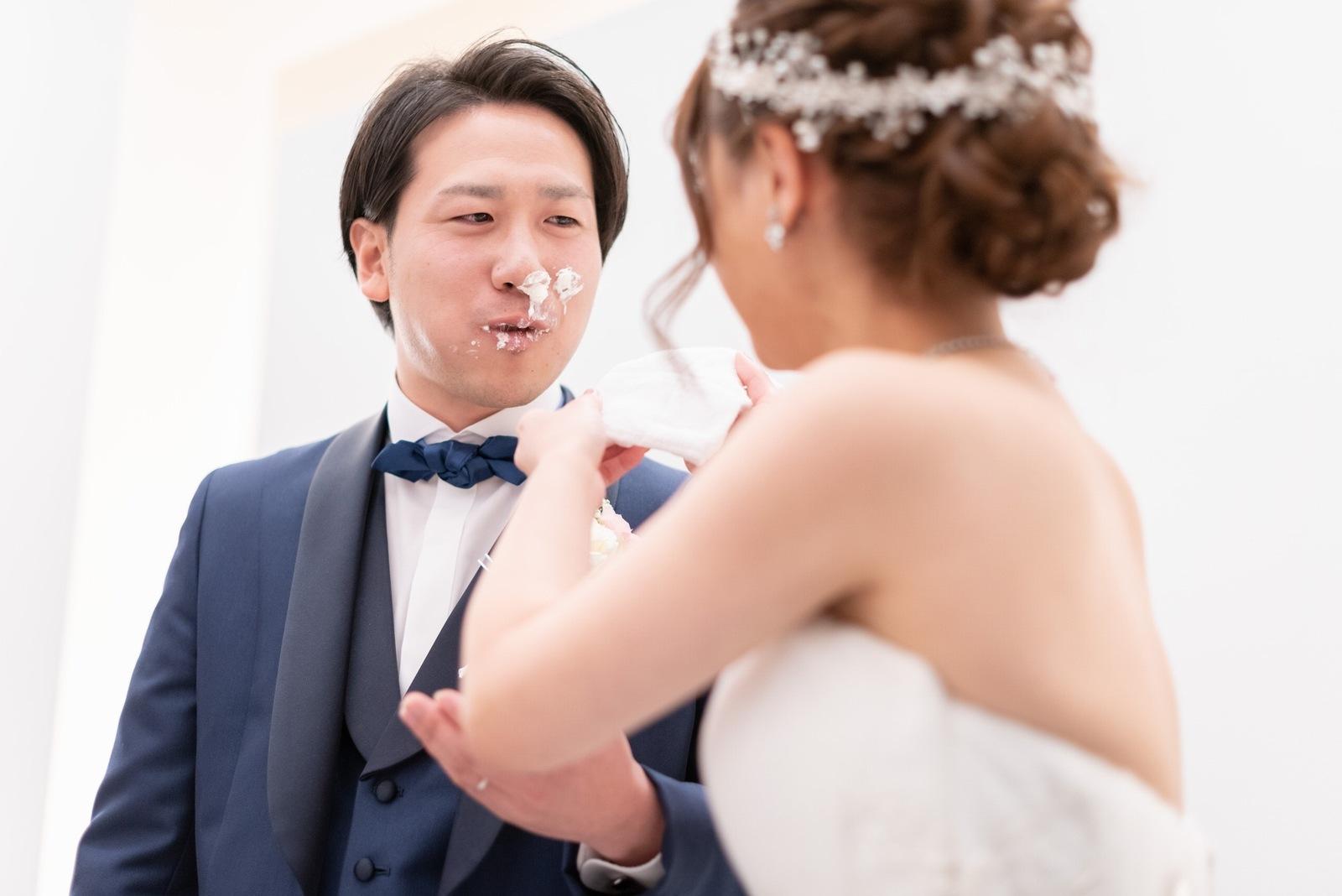 香川県の結婚式場のシェルエメール&アイスタイル ビッグスプーンでのファーストバイト
