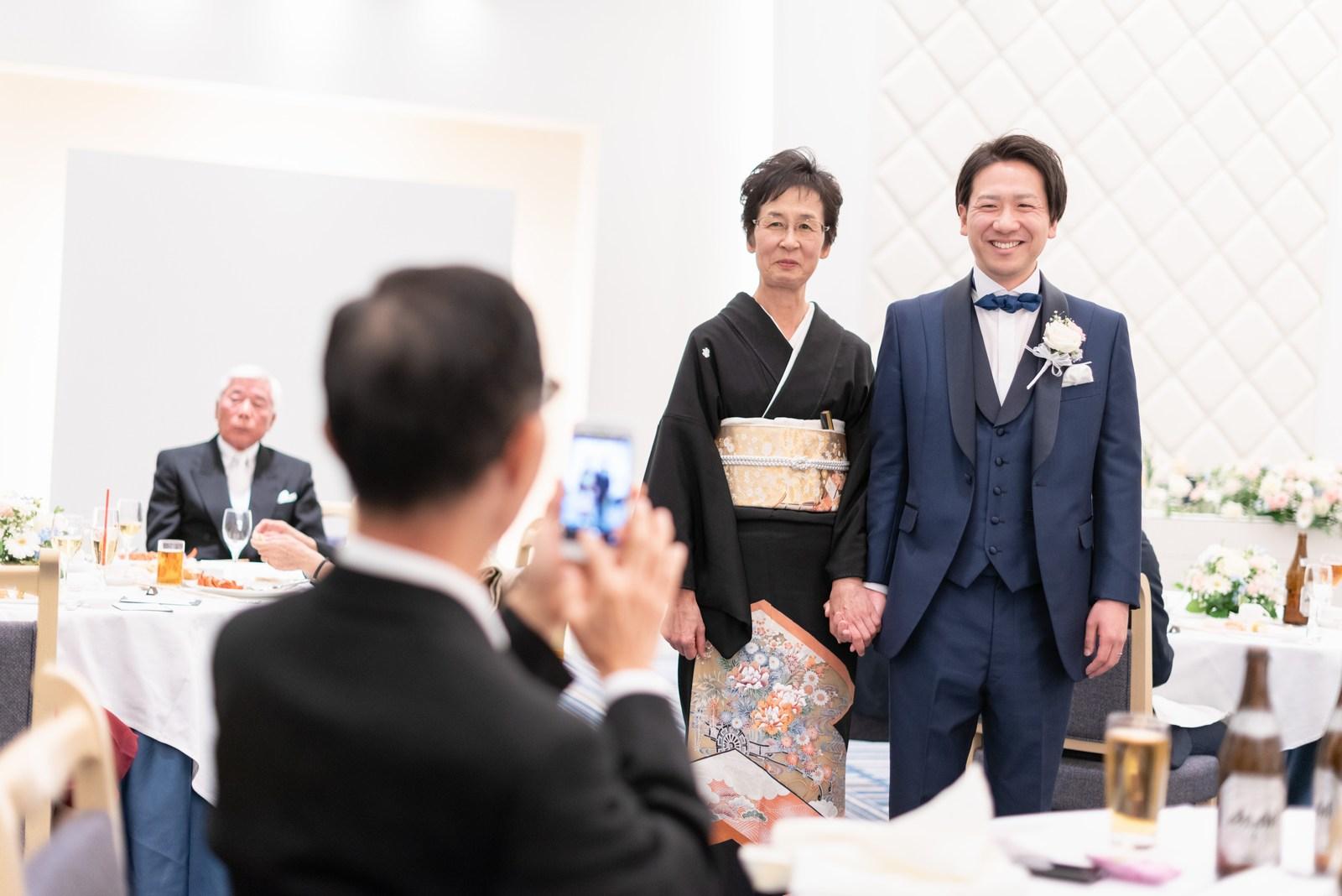 香川県の結婚式場のシェルエメール&アイスタイル 新郎お色直し退場