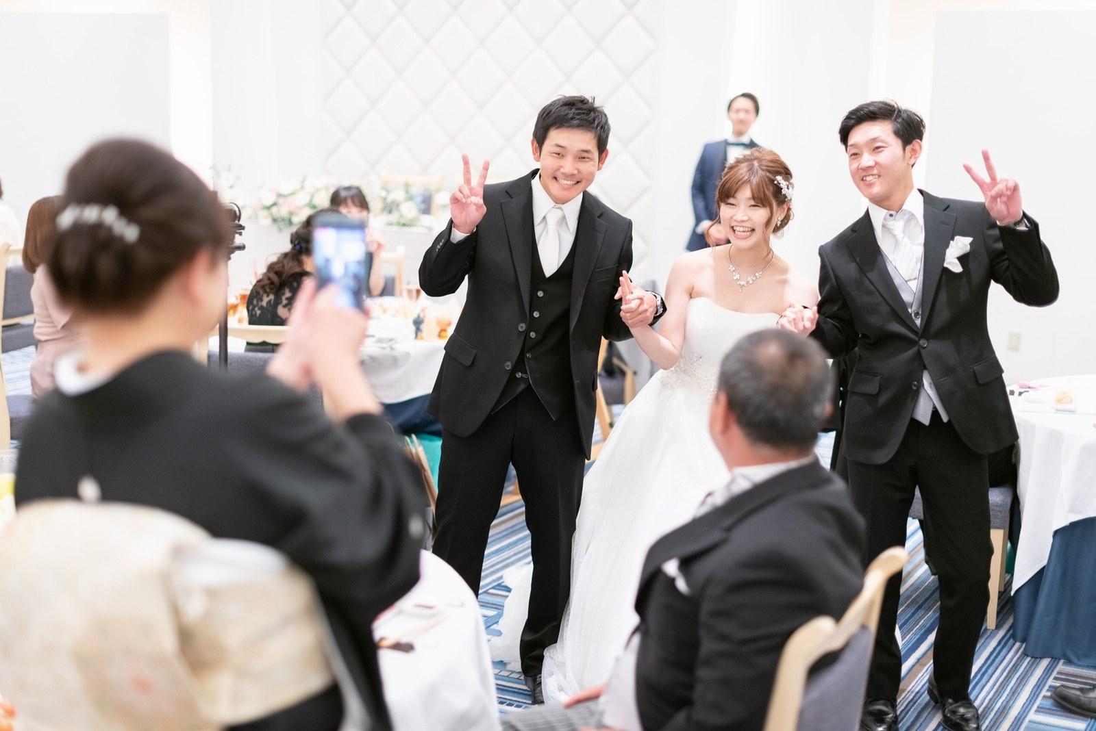 香川県の結婚式場のシェルエメール&アイスタイル 新婦お色直し退場
