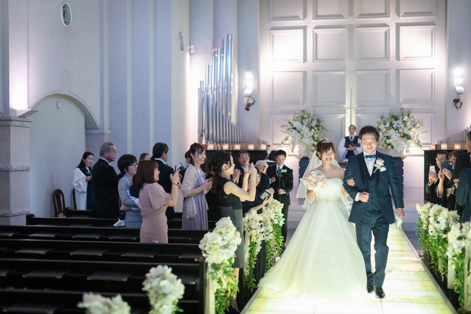 香川県の結婚式場のシェルエメール&アイスタイルの挙式退場