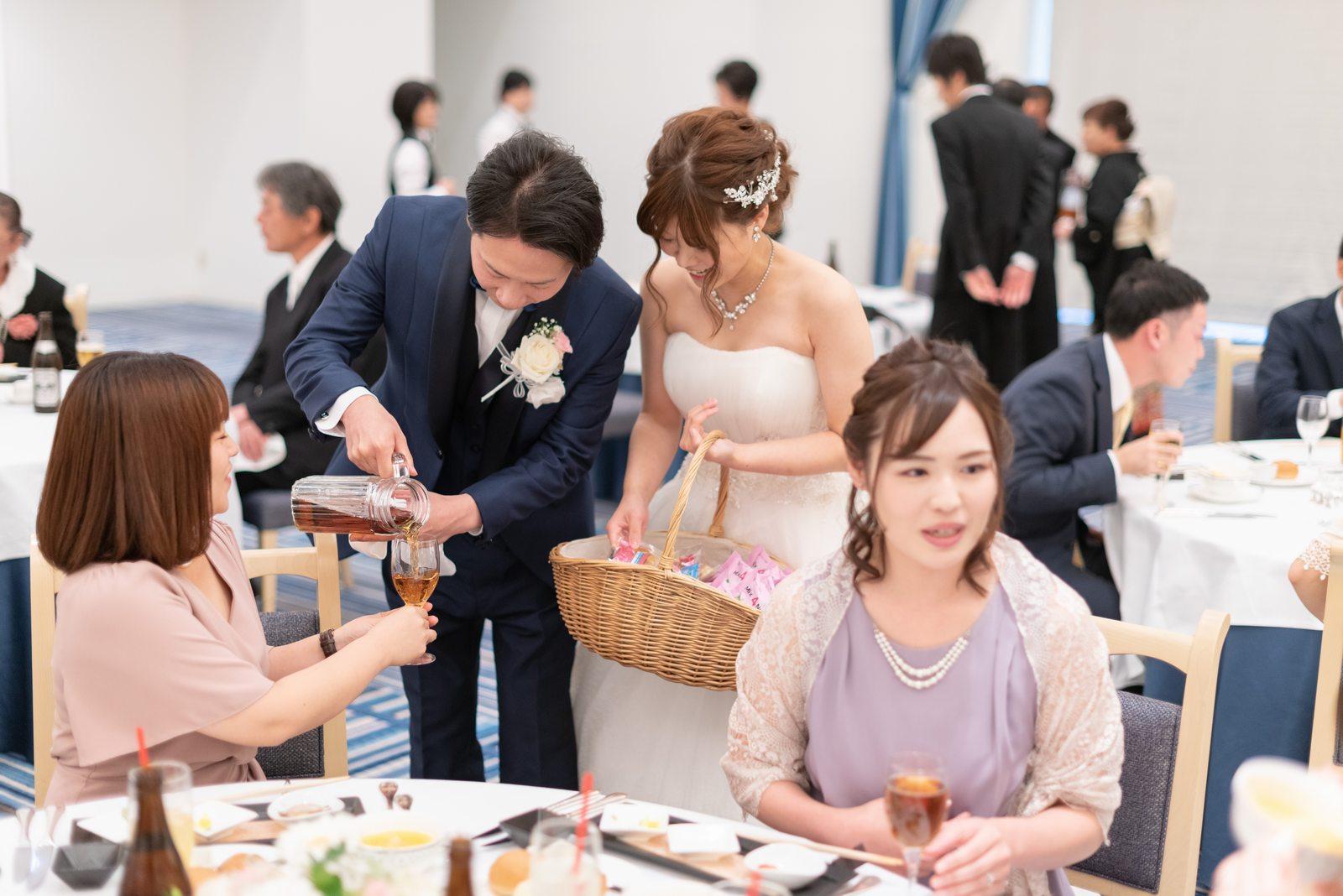 香川県の結婚式場のシェルエメール&アイスタイルのお酌まわり