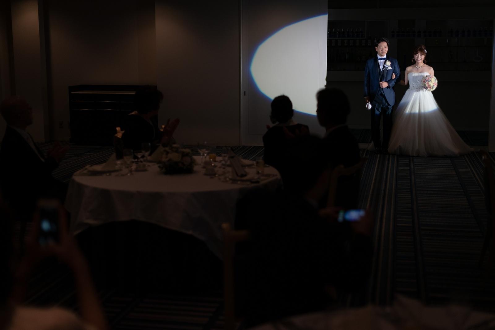 香川県の結婚式場シェルエメール&アイスタイルのご披露宴入場