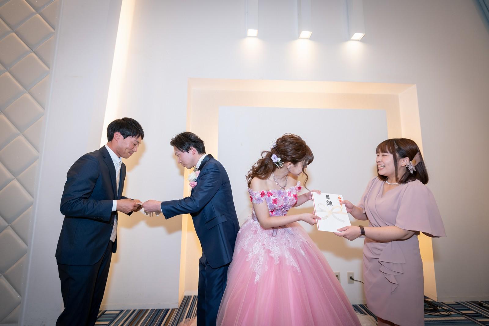 香川県の結婚式場のシェルエメール&アイスタイル ドレス色当てクイズ当選者
