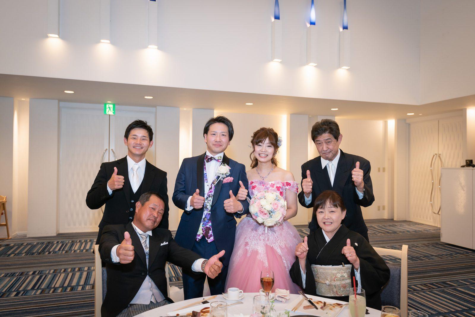 香川県の結婚式場のシェルエメール&アイスタイルのテーブルラウンド