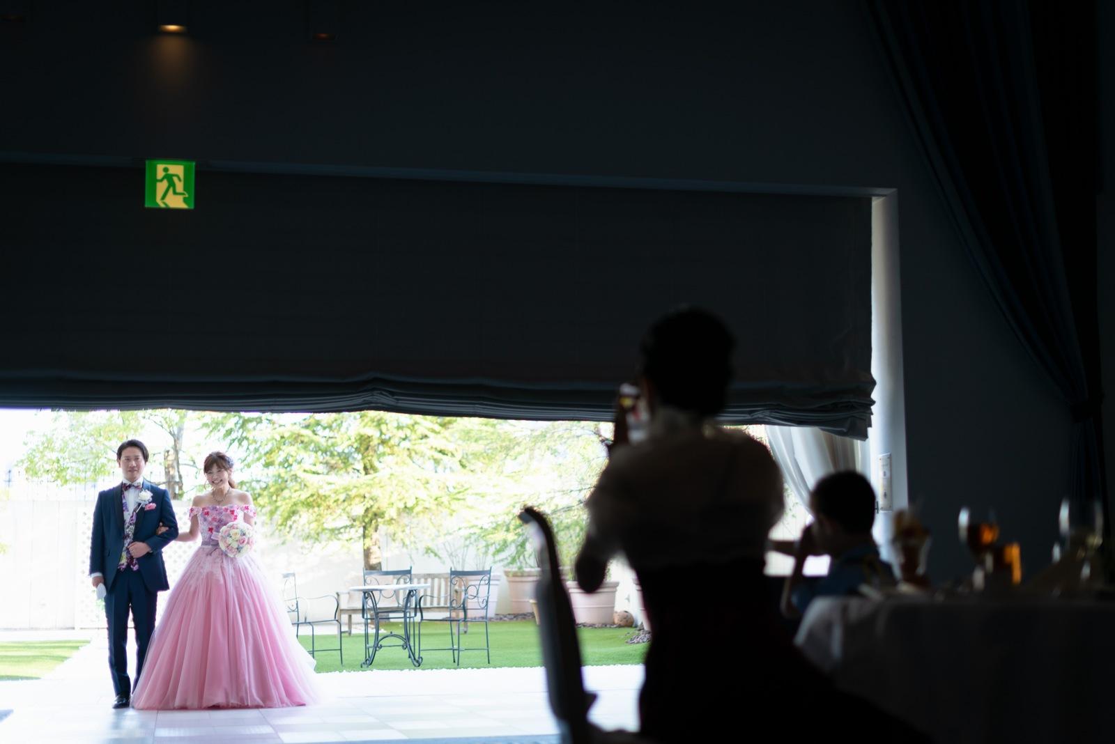 香川県の結婚式場のシェルエメール&アイスタイルお色直し入場