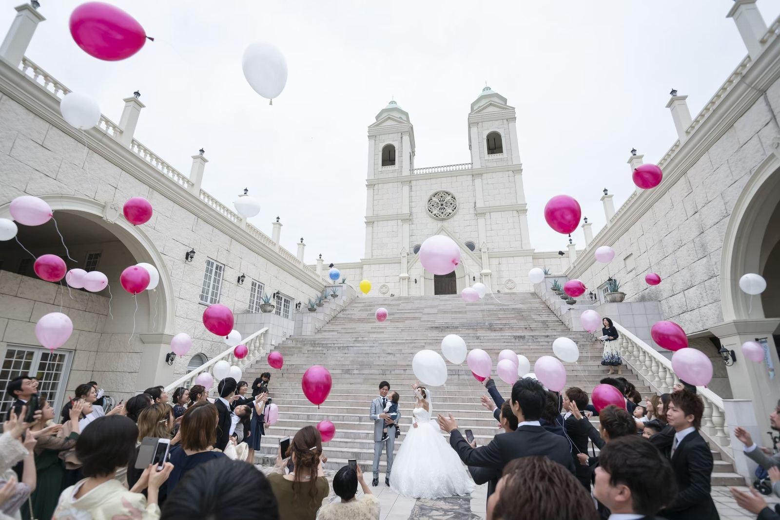 香川県の結婚式場シェルメール&アイスタイルのバルーンリリース