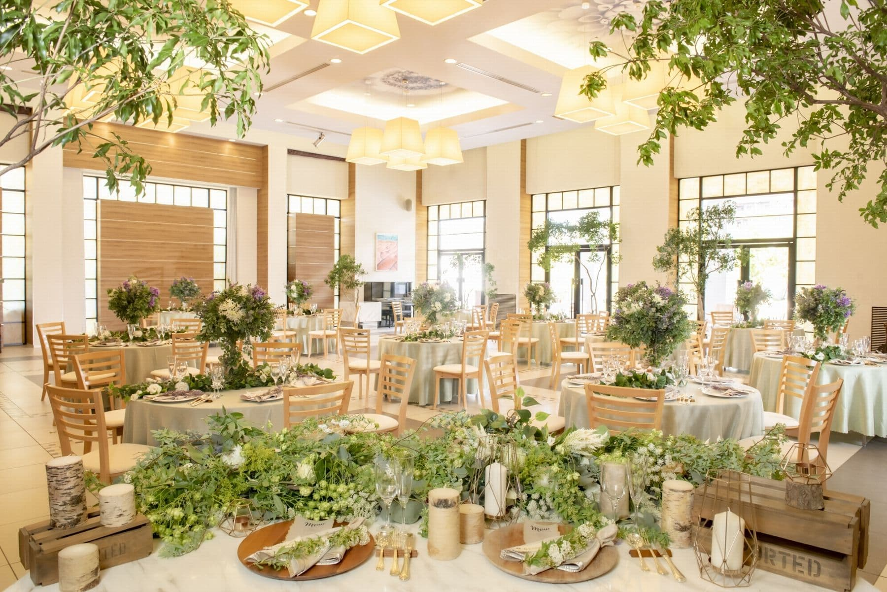 香川県の結婚式場シェルエメール&アイスタイルのモダンナチュラルな装花
