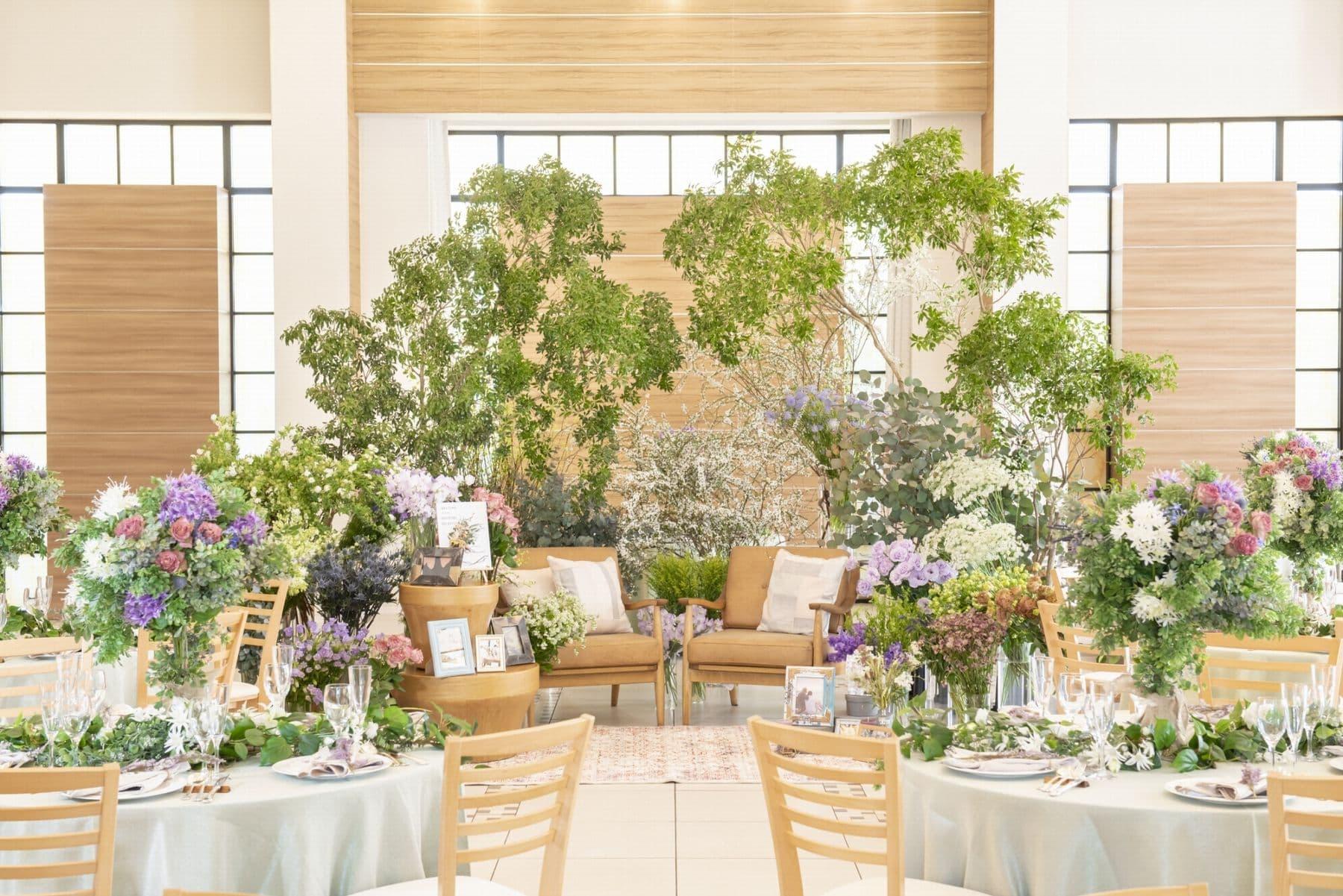 香川県の結婚式場シェルエメール&アイスタイルのナチュラルなソファ席のコーディネート