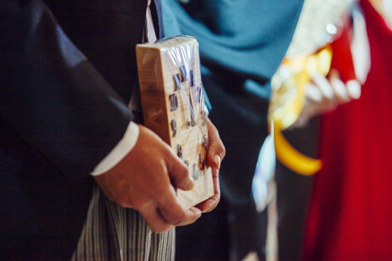 香川県の結婚式場シェルエメール&アイスタイルの記念品贈呈