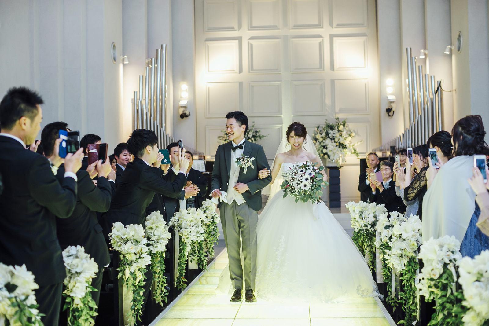 香川県の結婚式場シェルエメール&アイスタイルの挙式退場