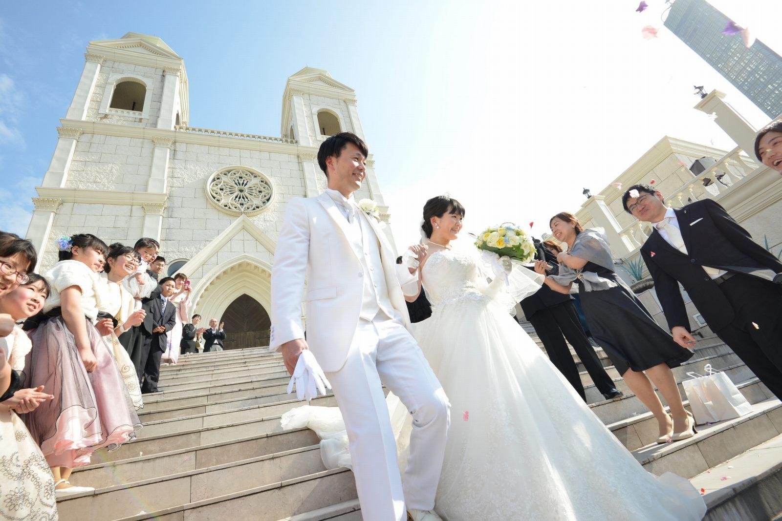香川県の結婚式場シェルエメール&アイスタイル フラワーシャワー