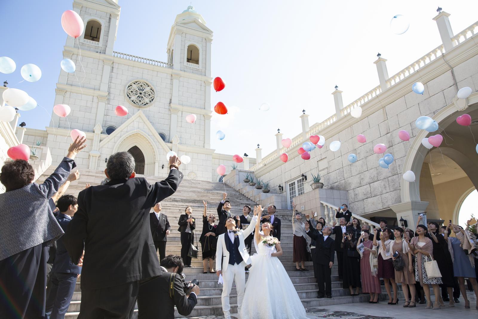 香川県の結婚式場シェルエメール&アイスタイルのバルーンリリース