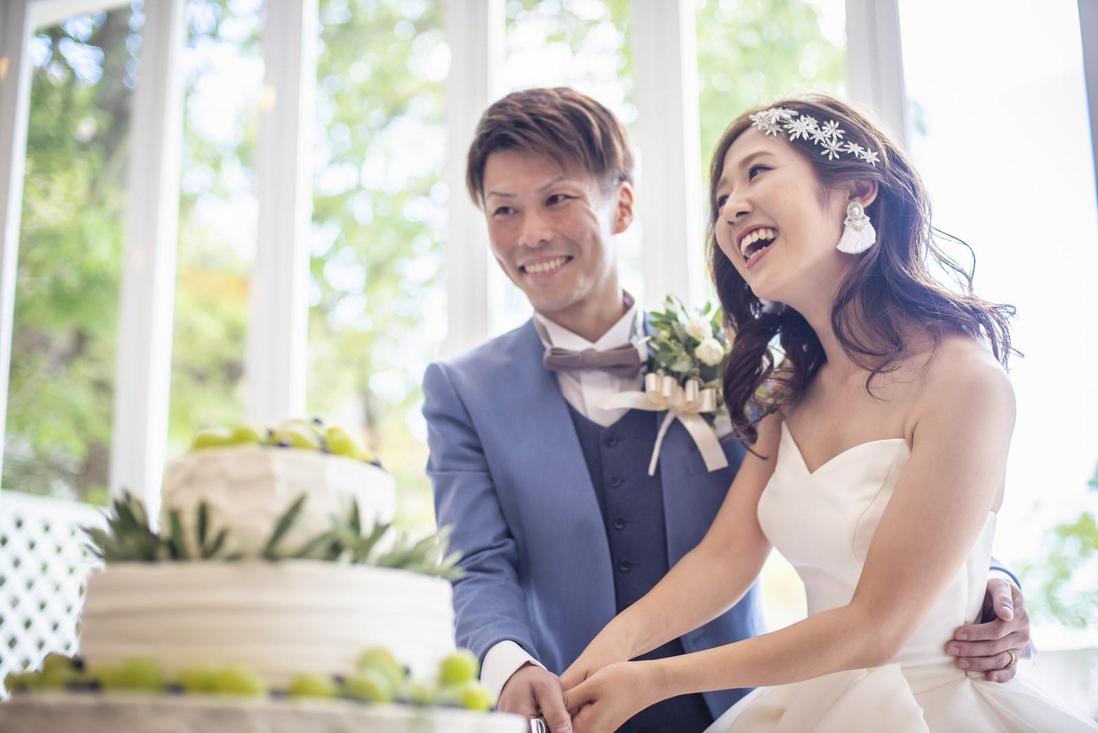 香川県の結婚式場シェルエメール&アイスタイルのウエディングケーキ入刀