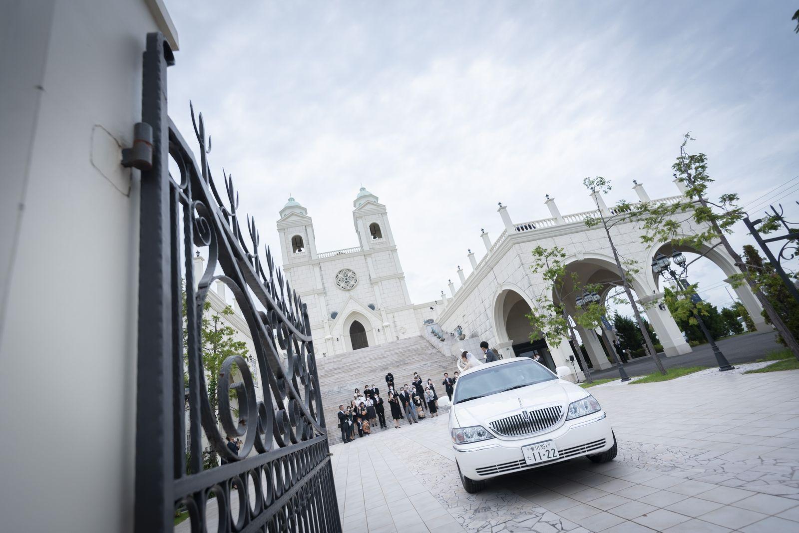 香川県の結婚式場シェルエメール&アイスタイルのリムジン