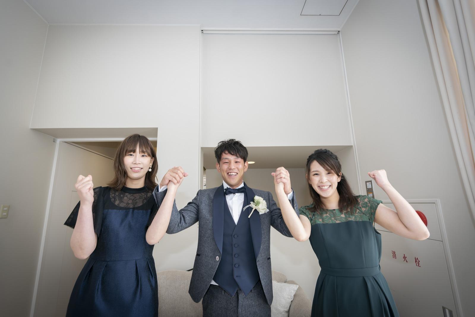 香川県の結婚式場シェルエメール&アイスタイルの新郎お色直し