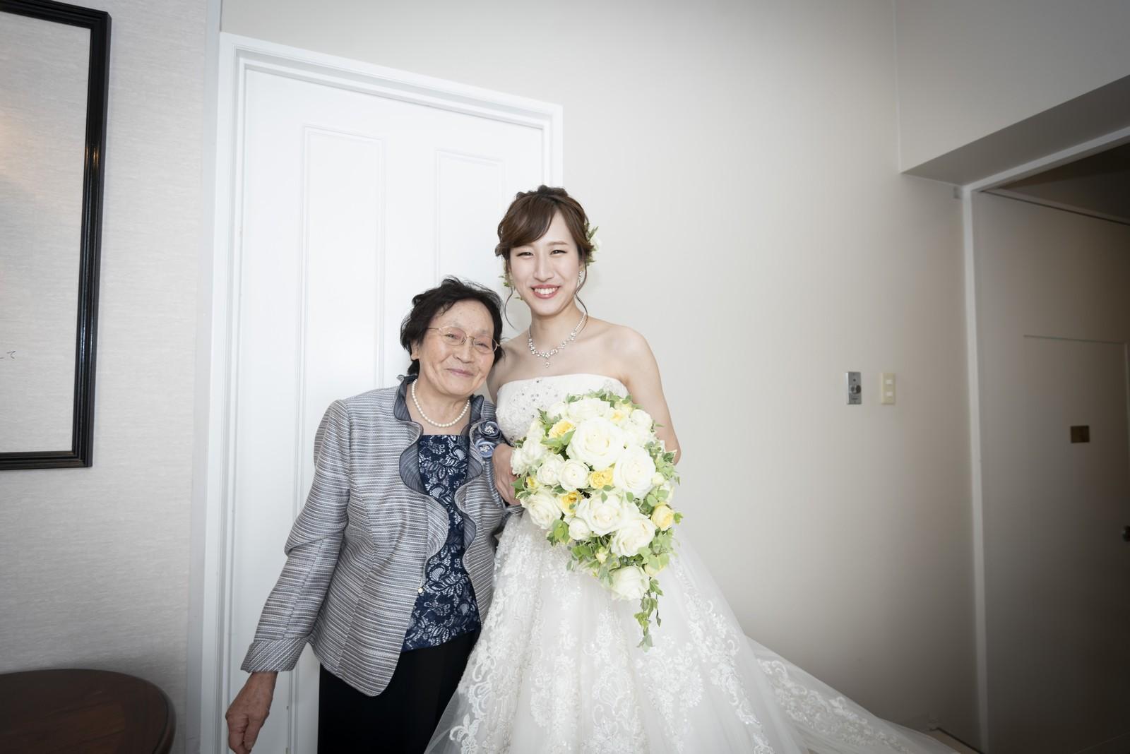香川県の結婚式場シェルエメール&アイスタイルのお色直し退場